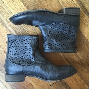 Roxy Ankle Boots